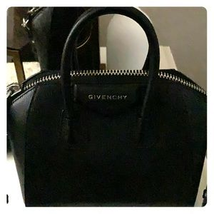 Authentic Givenchy Small Antigona 11x9.5x7